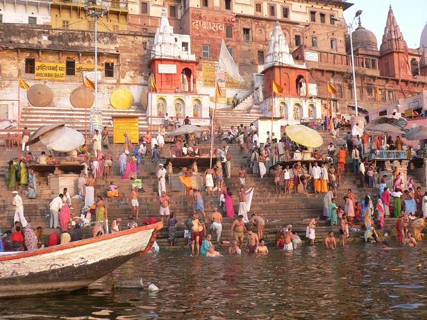 インドで見た「ガンジス川」「タージマハル」が衝撃的