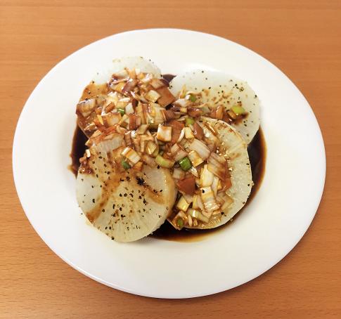 「大根ステーキ」人気レシピはバターとベーコン入り