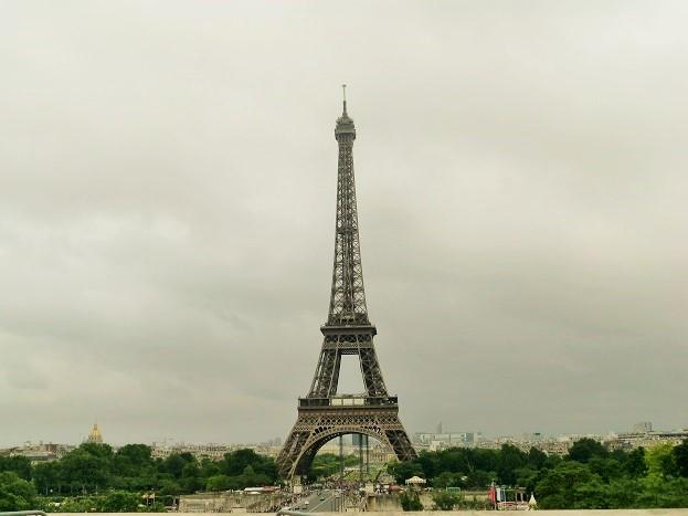 パリ観光は観光客が少ない11月が最適「エッフェル塔」