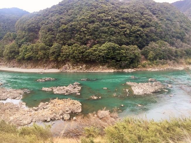 繰り返し訪れたいほど美しい「四万十川」