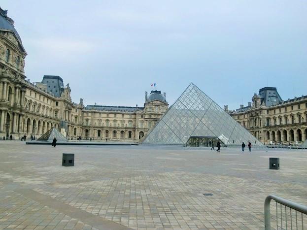 パリ観光は観光客が少ない11月が最適「ルーブル美術館」