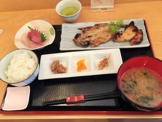伊豆高原駅での海鮮ランチは「信海」が美味しい