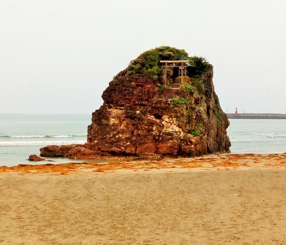 「稲佐の浜」へは出雲大社から徒歩20分