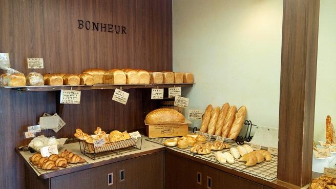 「ボヌール」( 鵠沼海岸)パンがどれも美味しい