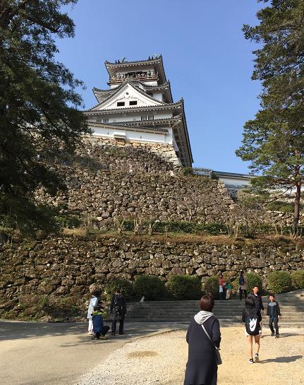 高知城の天守閣と本丸御殿
