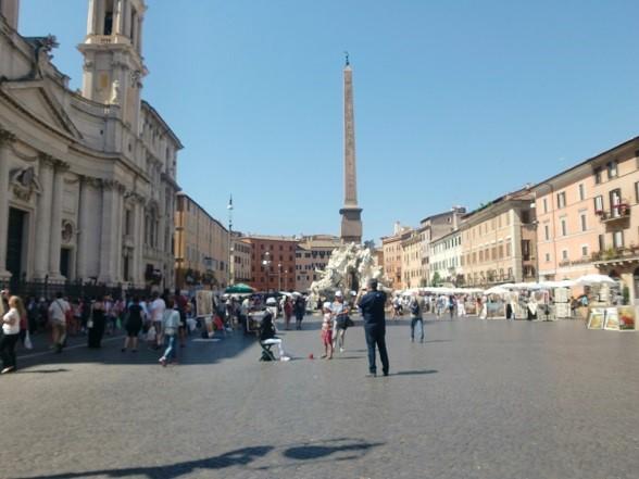 歩き疲れたローマ観光「ナヴォーナ広場」
