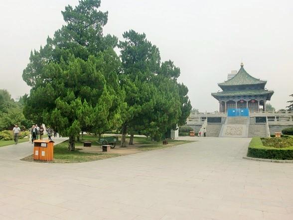 西安・興慶宮公園をのんびり歩く...