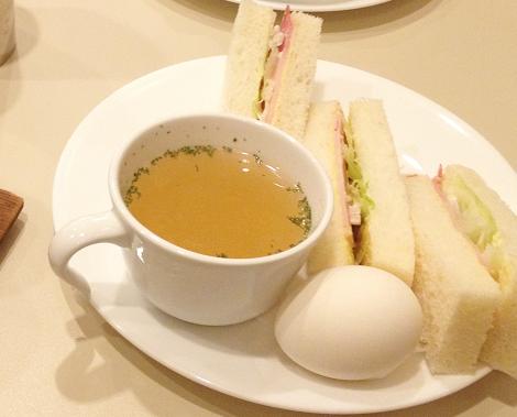 「ルノアール」のモーニングを食べながらゆっくり過ごすこと
