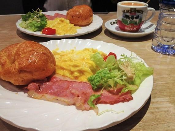 香港朝食はカフェ・ファミレスで気軽に♪