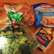 グアムペイレススーパーで買い出し、手作りサンドウィッチの朝食