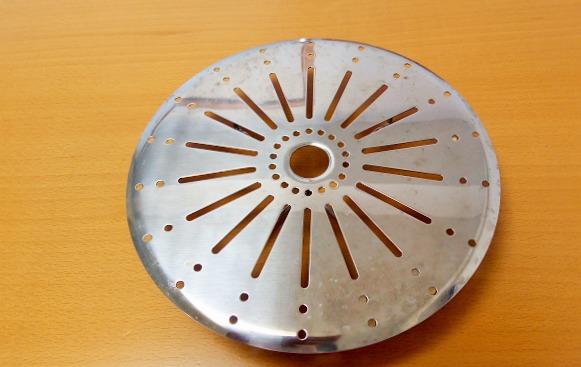 使い方簡単のスチームプレートは蒸し器にも落し蓋にもなって便利