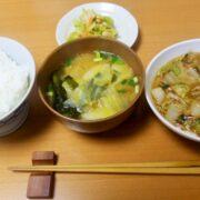 年配男性中心の日本社会?