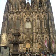 【ドイツ・オーストリア周遊8日間】団体ツアー旅行記4月①ケルン大聖堂