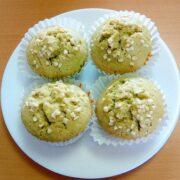 緑茶粉末で抹茶ホワイトチョコレートマフィン